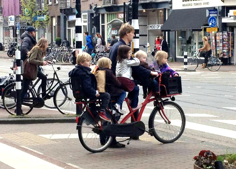 amsterdam-bikes- Connect-Inn Amsterdam